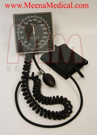 Tycos Sphygmomanometer Preowned In Good Condition